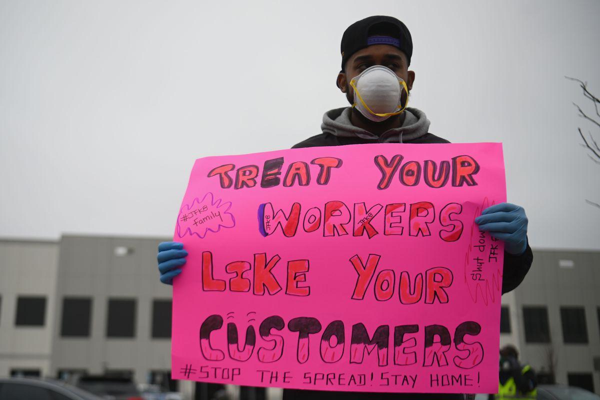 US senators demand Amazon answer questions about warehouse worker safety