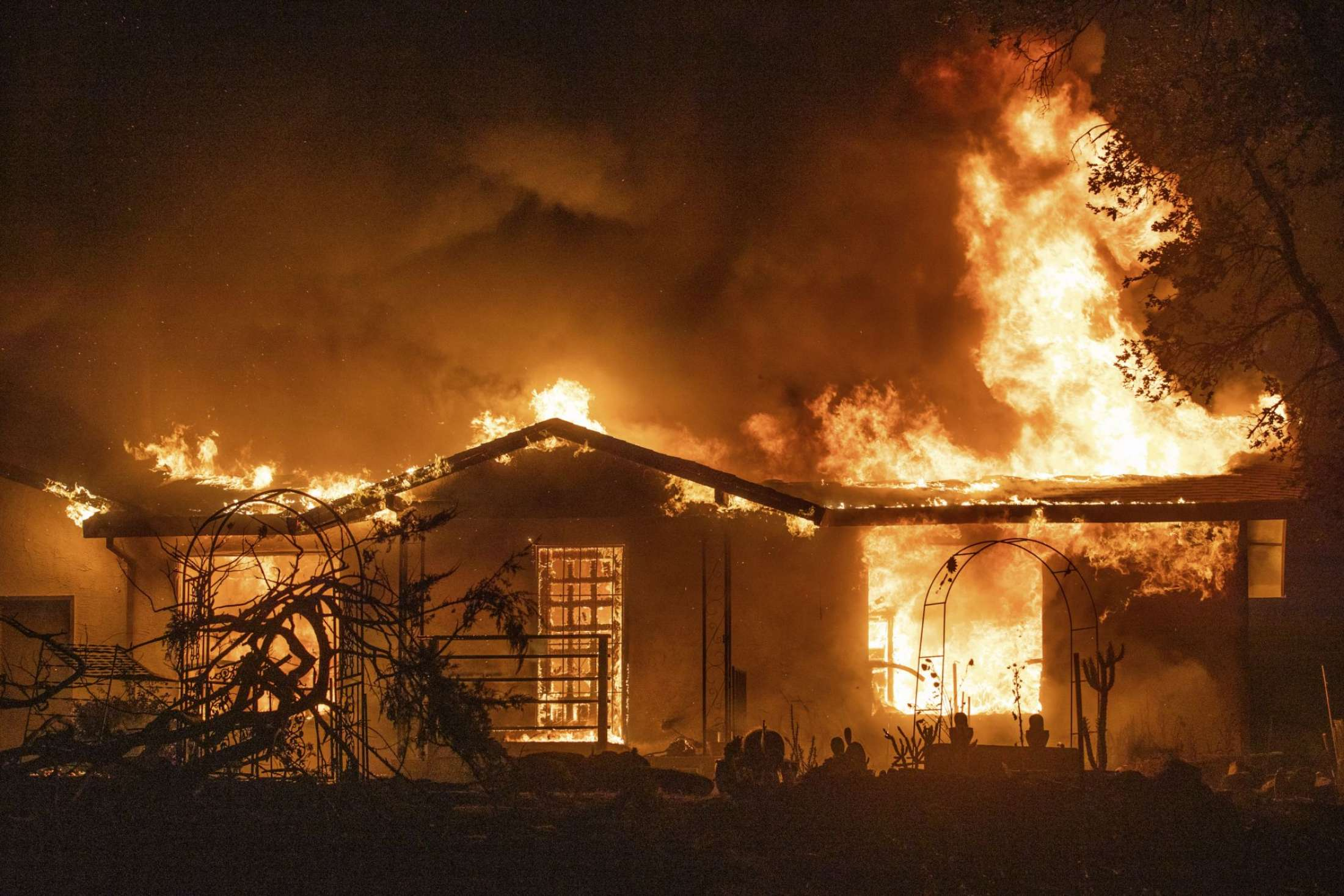 Northern California wildfire doubles in size, kills 3 people