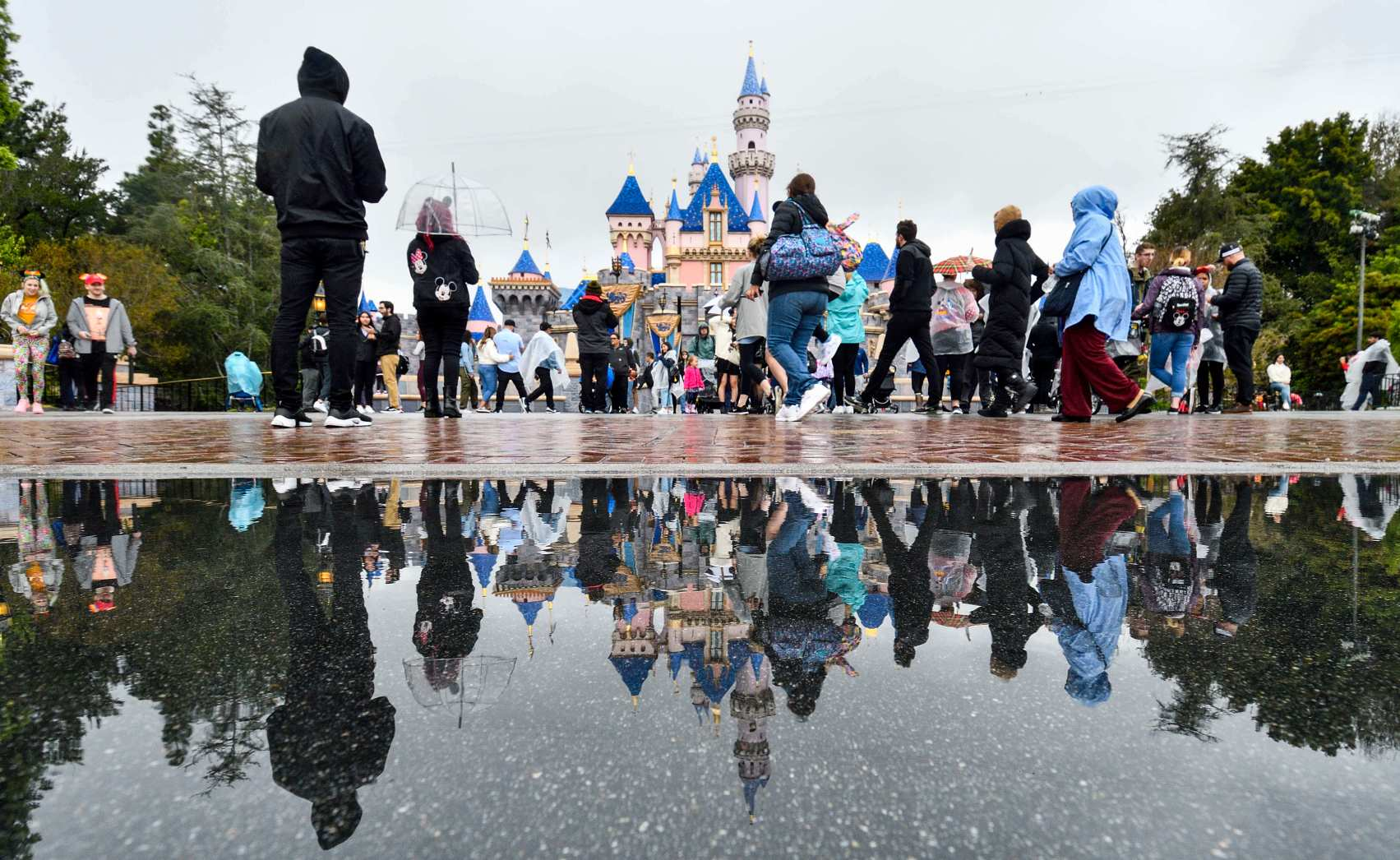 Assembly bill seeks to speed reopening of Disneyland and other California theme parks