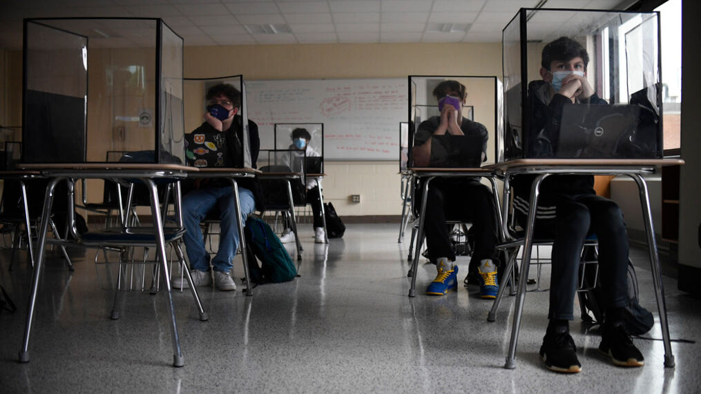 California Adopts 3-Foot Distancing Rule for Classrooms