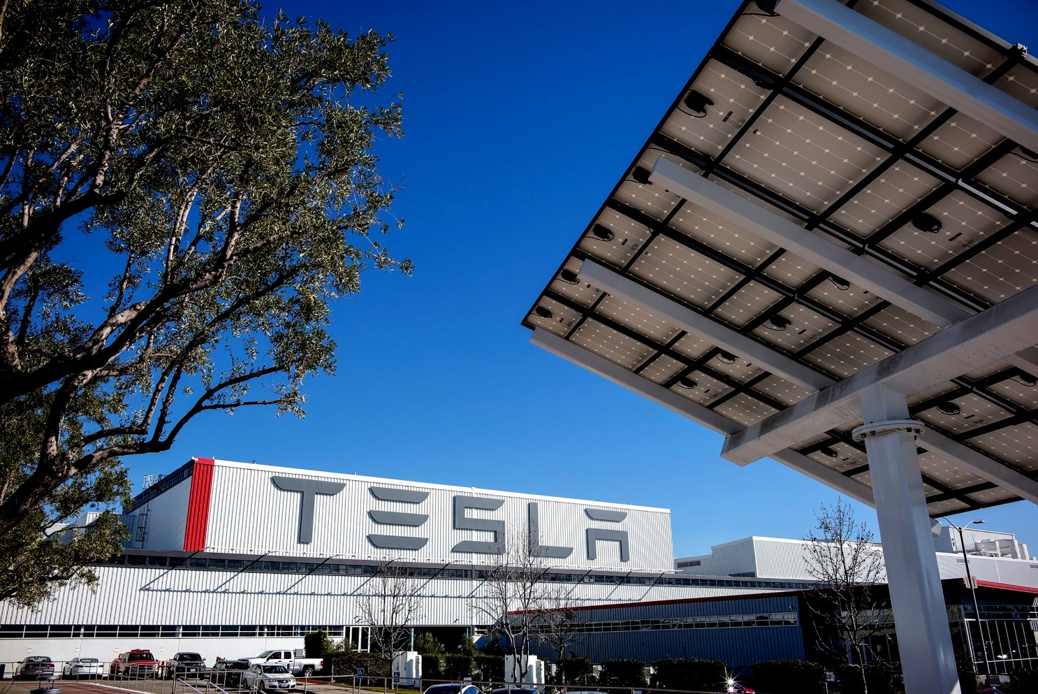 Tesla moving headquarters from Palo Alto to Texas